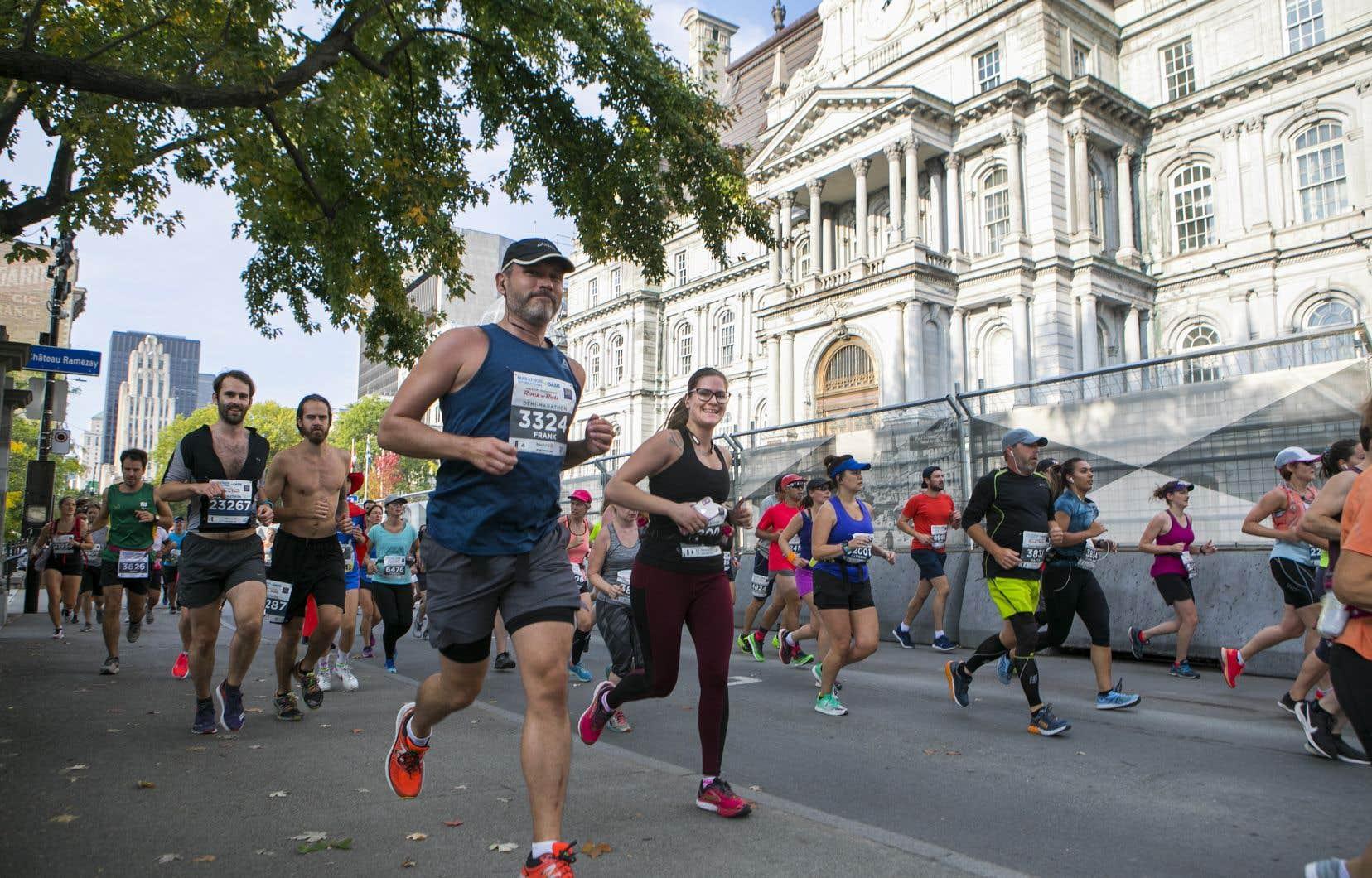 Près de 18000 participants sont inscrits aux cinq épreuves du Marathon Oasis Rock'n'roll de Montréal qui ont commencé la veille avec un volet plus familial.