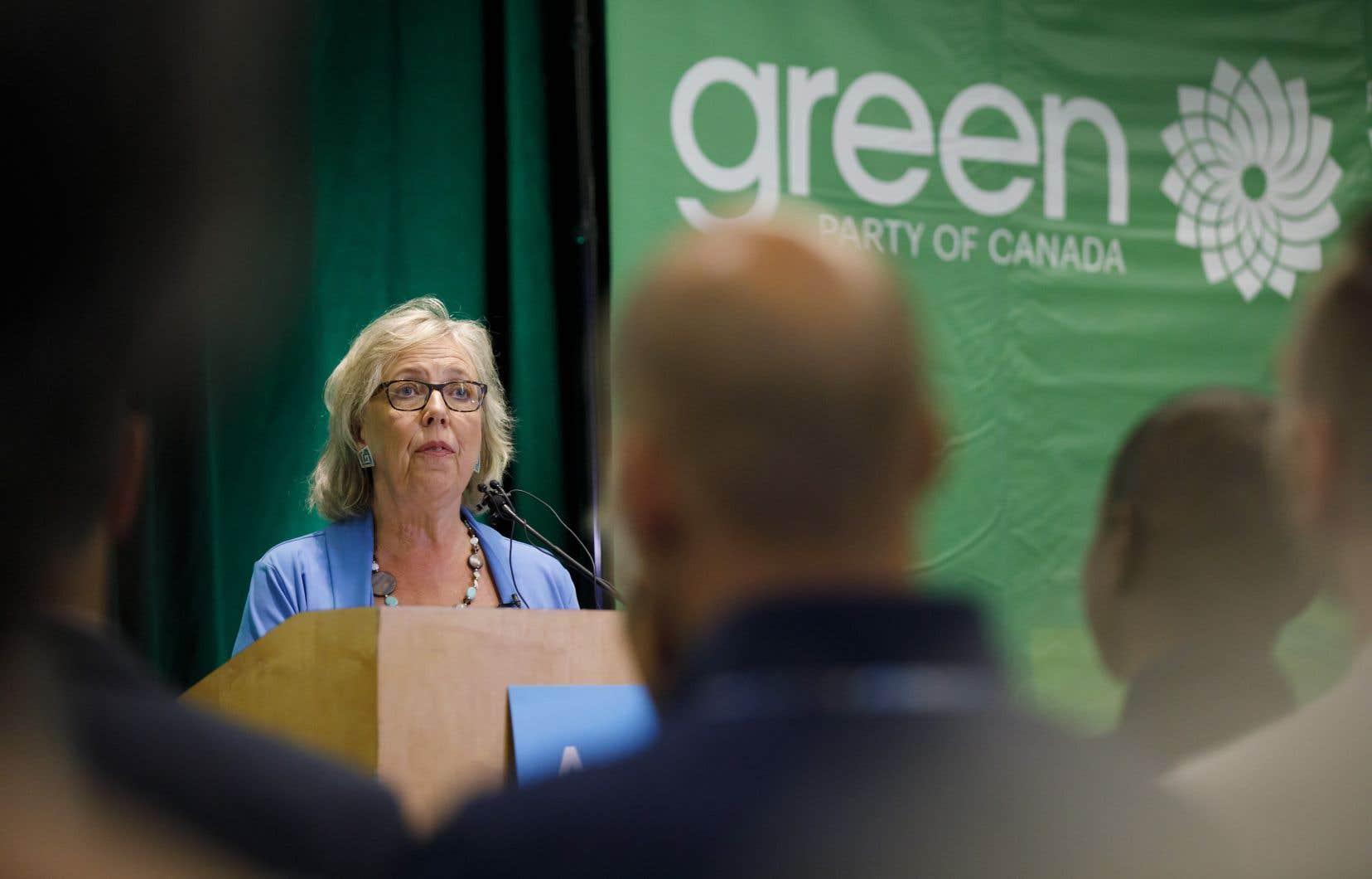 «Nous devons cesser de traiter la toxicomanie comme un problème criminel et commencer à la traiter comme un problème de santé, a déclaré la chef du Parti vert, Elizabeth May par voie de communiqué. Il s'agit d'une urgence sanitaire nationale.»