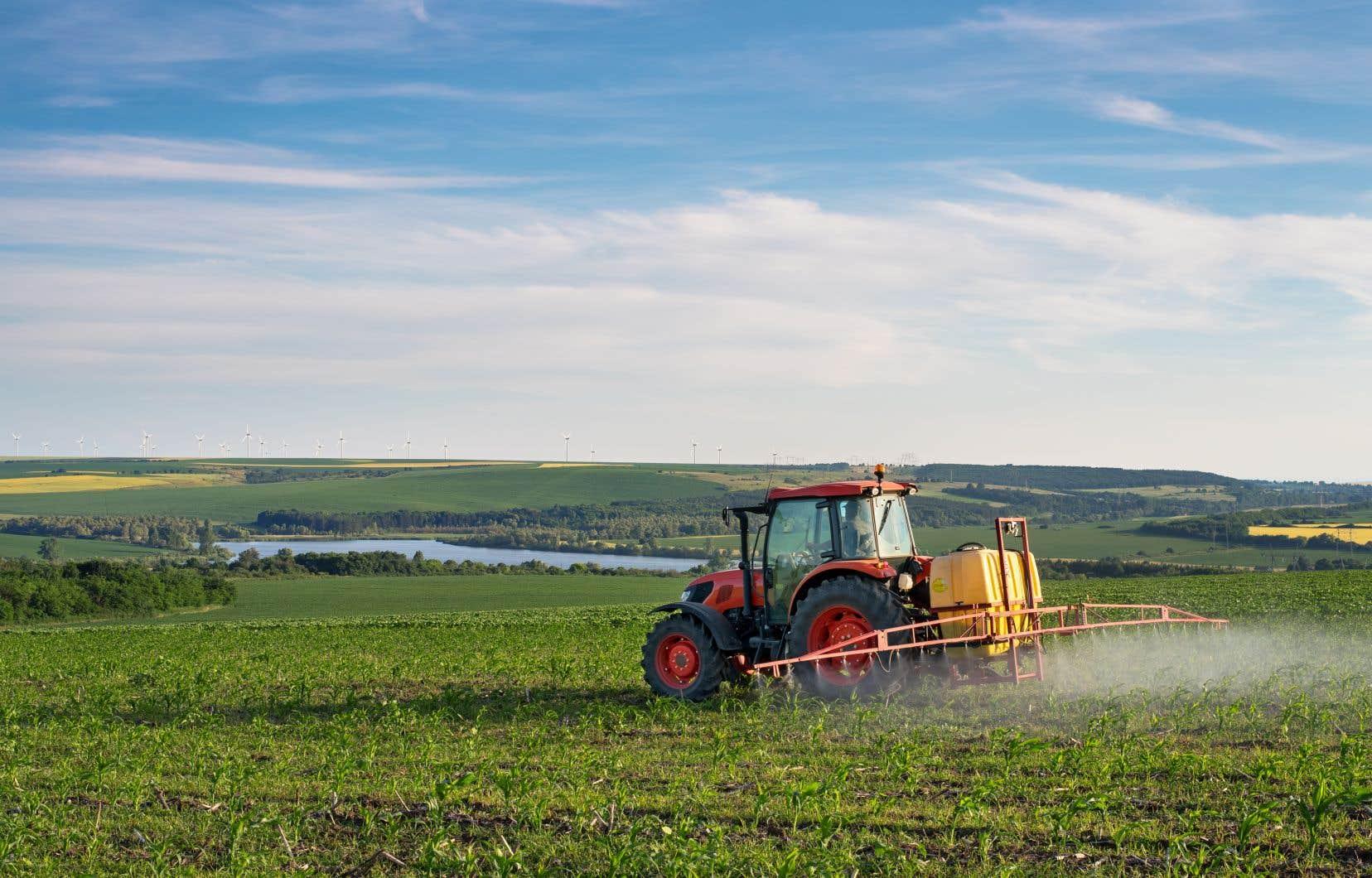 La commission parlementaire, qui se déroulera jusqu'au 26septembre, examinera les conséquences des pesticides sur la santé publique et l'environnement.