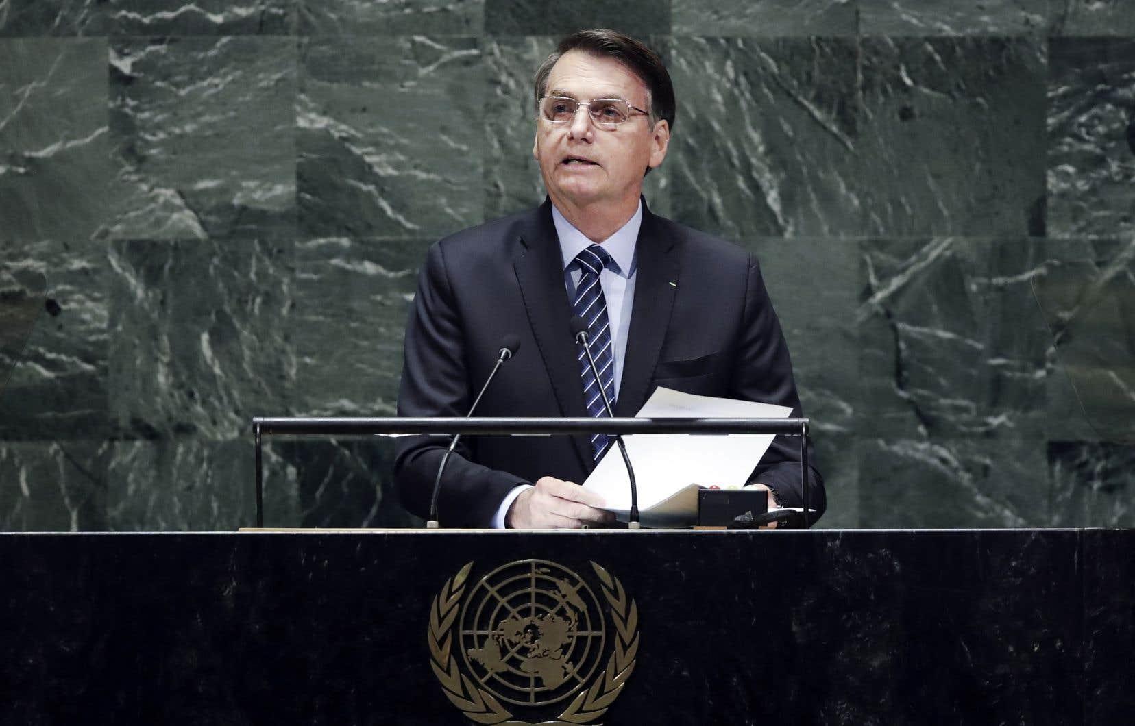 Jair Bolsonaro a rejeté avec fracas toute idée d'intervention internationale en Amazonie.