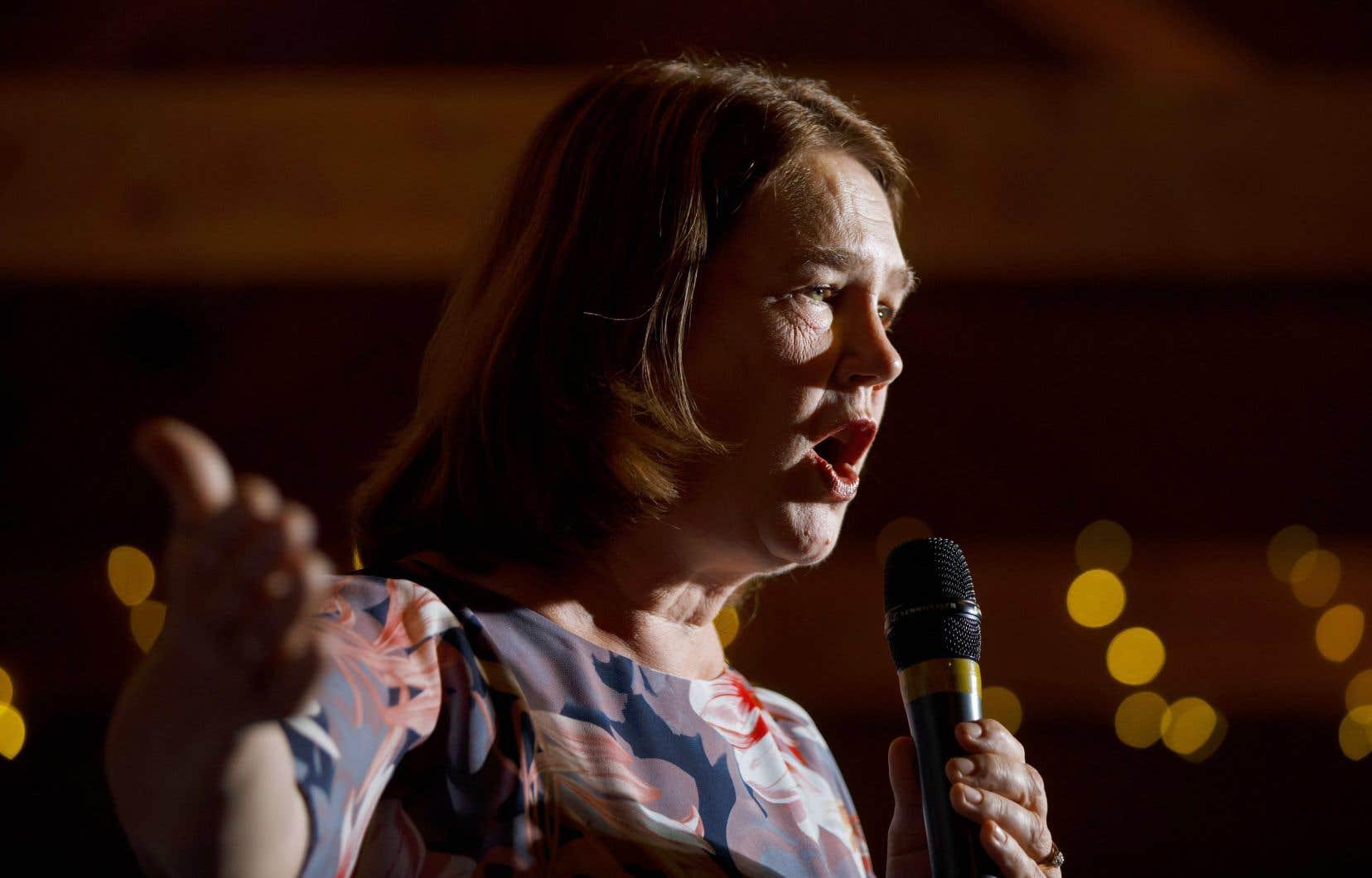 Jane Philpott, autrefois ministre-vedette du cabinet Trudeau, se présente comme candidate indépendante.