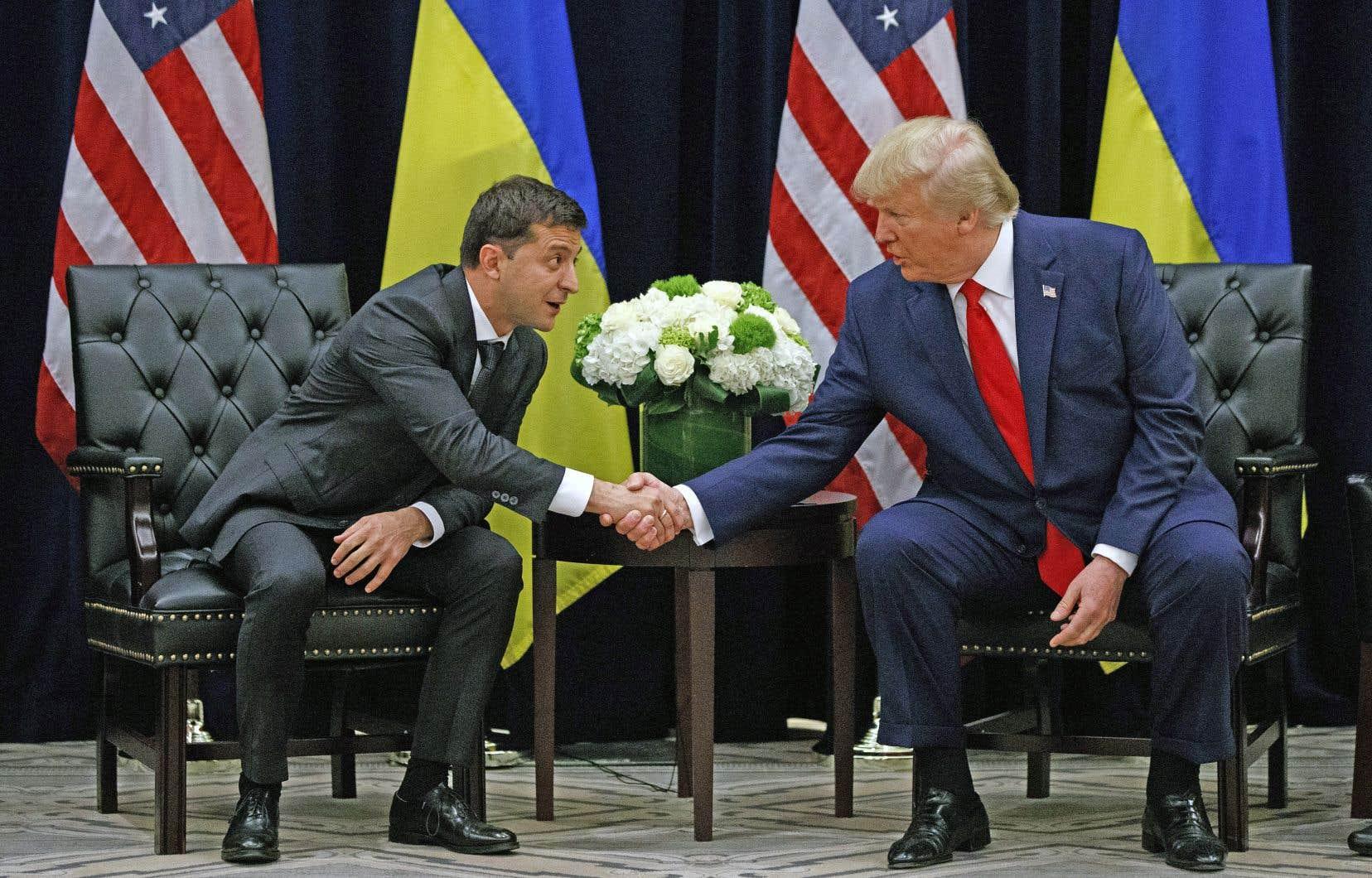 La scène était particulière dans les circonstances: Donald Trump (à droite) ayant une rencontre bilatérale à l'ONU avec le président ukrainien au moment où une procédure de destitution est lancée contre le président américain en raison des pressions qu'il aurait exercées sur Volodymyr Zelensky (à gauche) pour qu'il enquête sur Joe Biden et son fils.