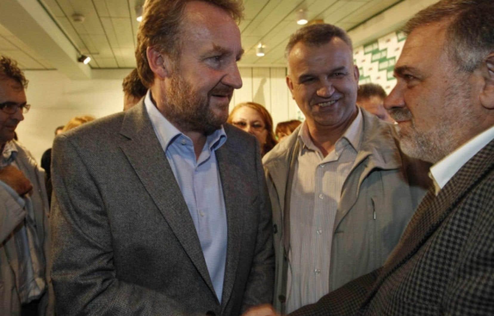 Bakir Izetbegovic (à gauche) est le fils d'Alija Izetbegovic, qui fut une figure emblématique de la communauté musulmane pendant la guerre.<br />