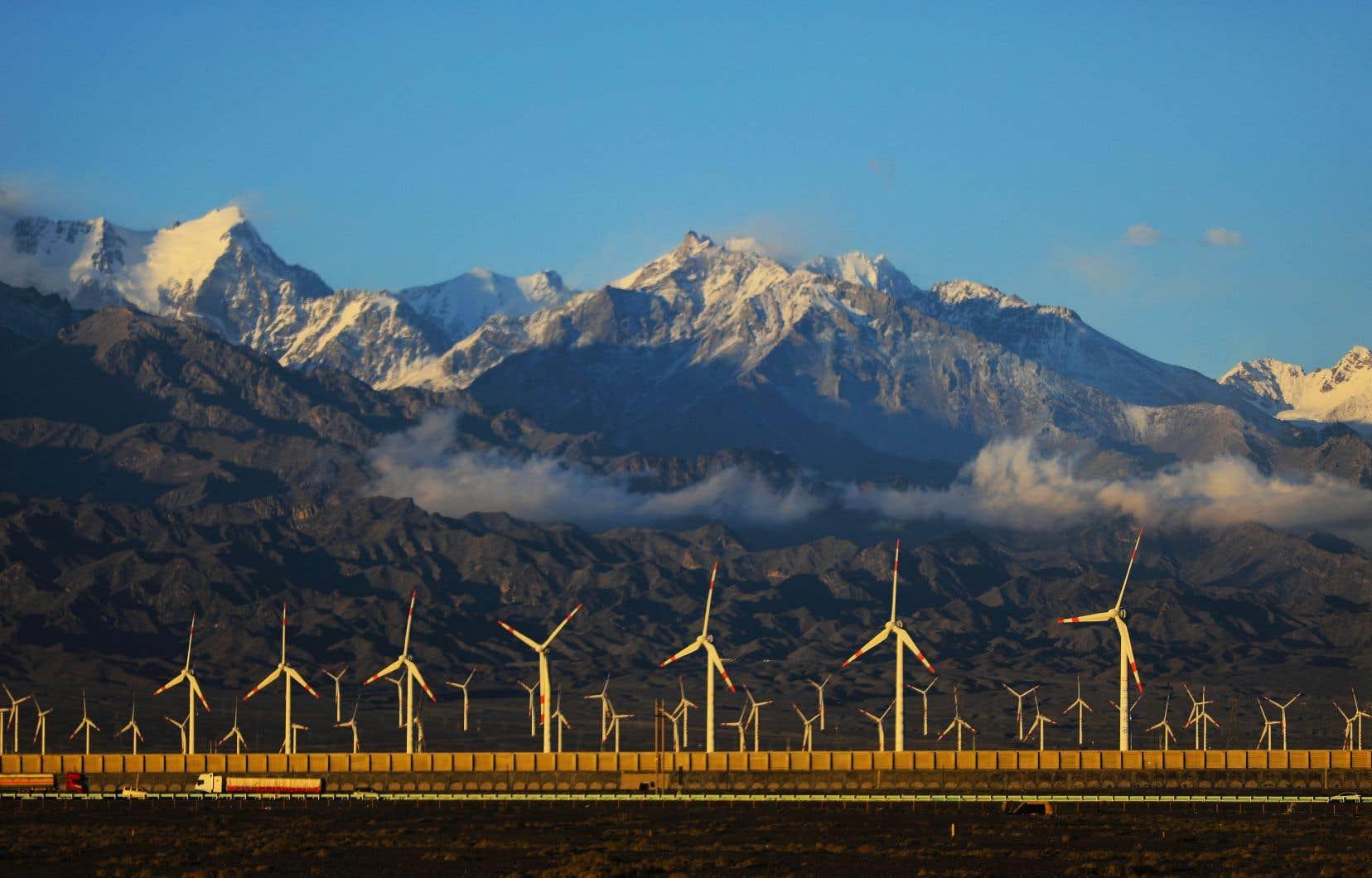 Une augmentation annuelle des investissements verts de l'ordre de 2% de la production mondiale pourrait entraîner la création nette d'au moins 170millions d'emplois et permettrait de favoriser une industrialisation respectueuse de l'environnement, notamment en investissant dans les énergies propres.