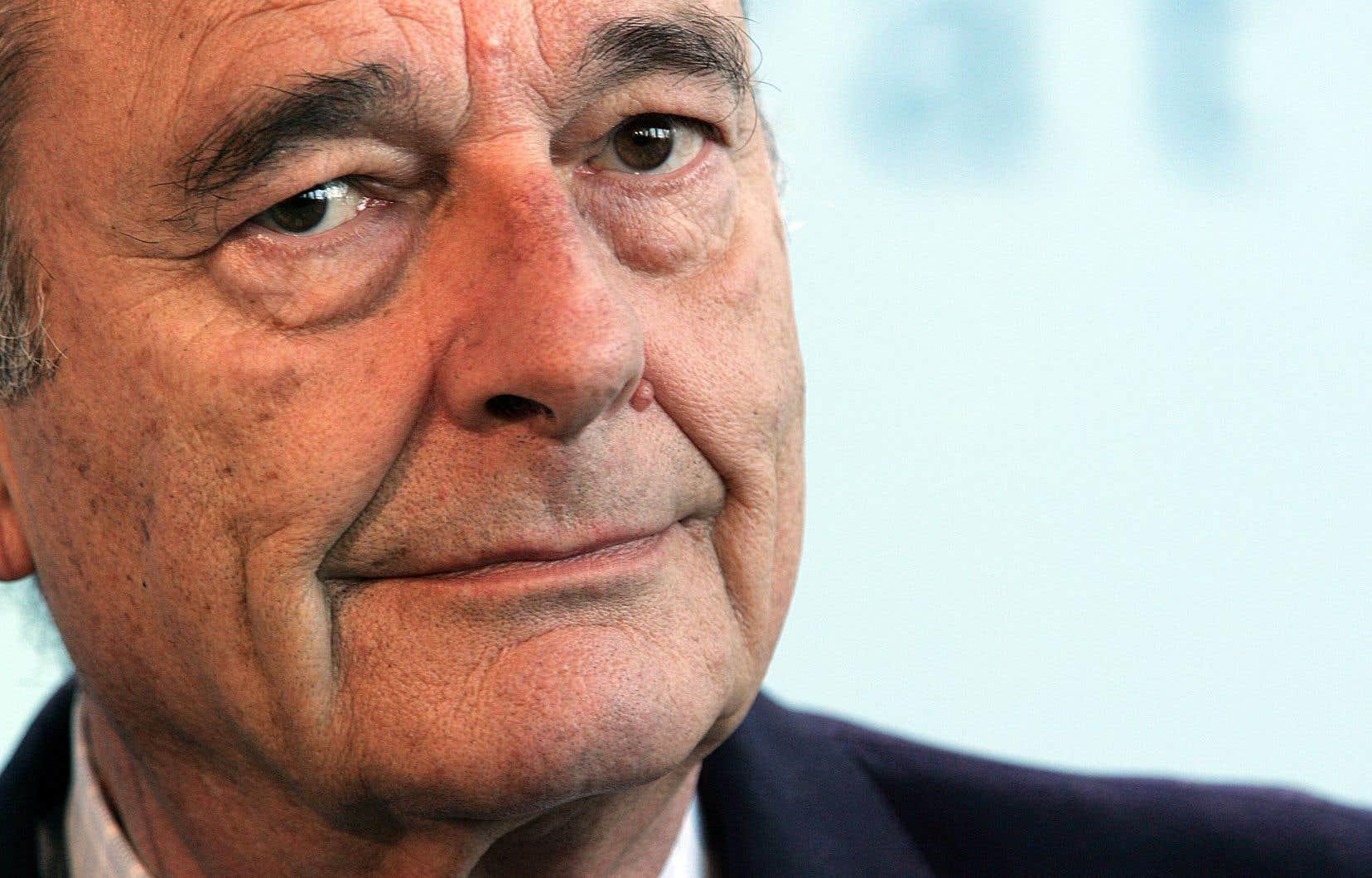 «Le président Jacques Chirac s'est éteint ce matin au milieu des siens. Paisiblement», a déclaré M. Salat-Baroux, époux de Claude, la fille de l'ex-président.