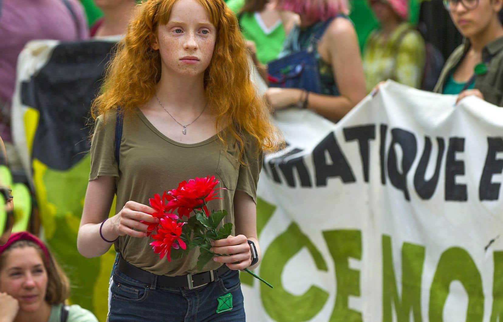 Armés de leur vulnérabilité, des millions de jeunes descendent dans la rue pour dénoncer l'inaction climatique. Pour l'instant, ils sont pacifiques...