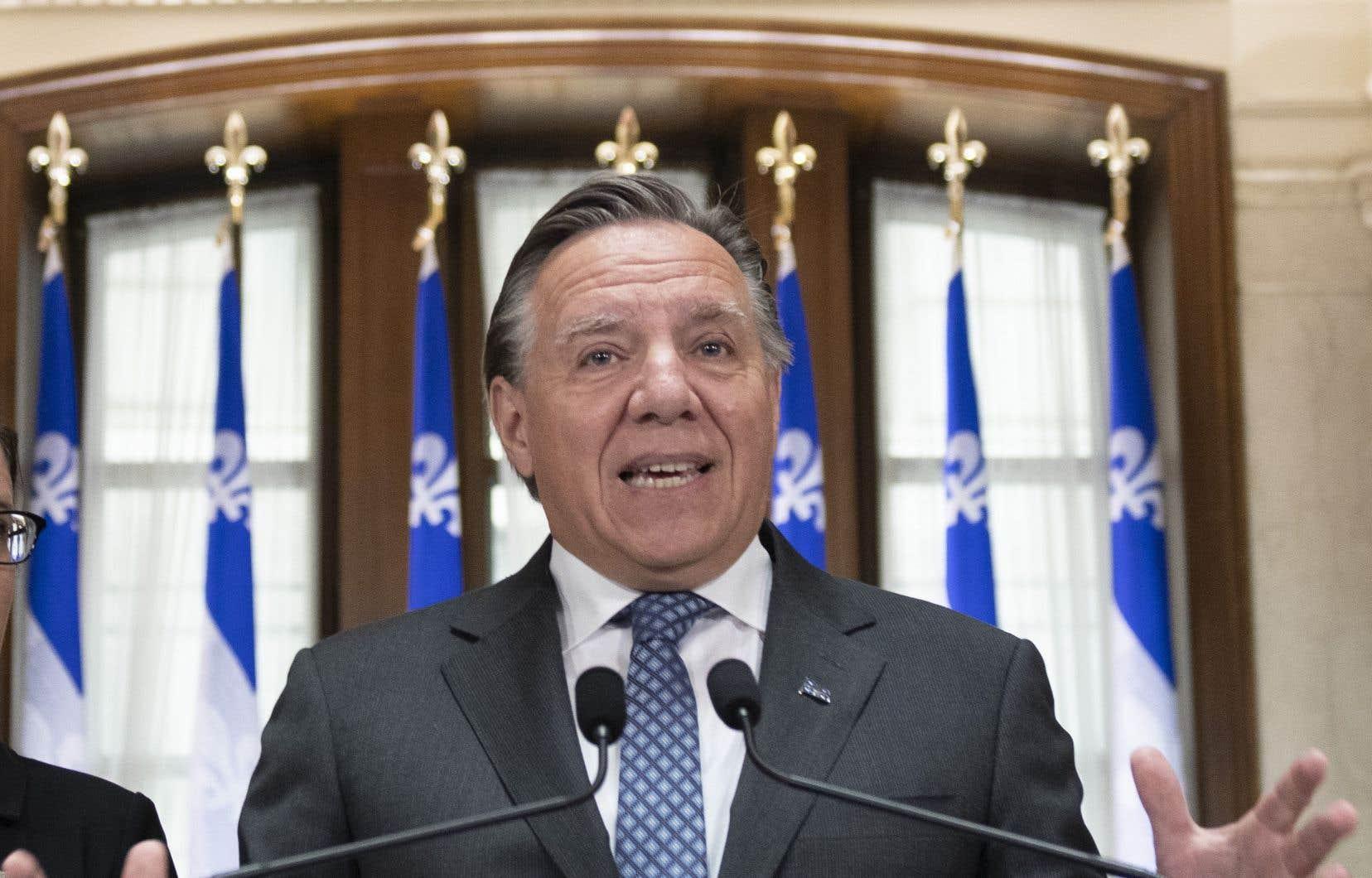 «C'est avec une main tendue que je vous propose de nous aider à bâtir un Québec plus prospère, plus vert et par conséquent plus fier», invite le premier ministre du Québec, François Legault.