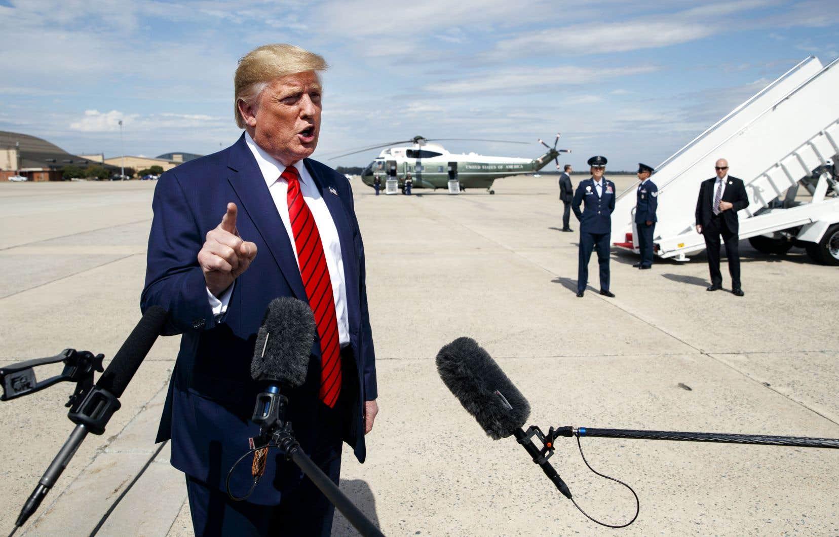 Donald Trump a donné un point de presse à sa descente d'avion, jeudi, à la base aérienne d'Andrews, après avoir assisté cette semaine à l'assemblée de l'Organisation des Nations unies à New York.