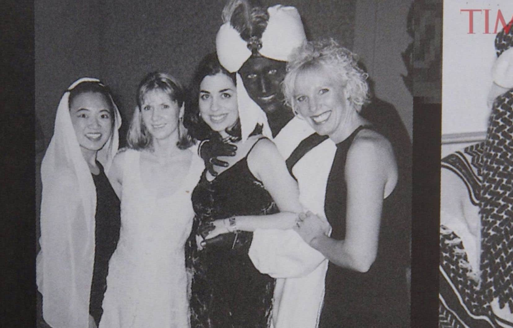 La photo de M.Trudeau déguisé en Aladin avait été prise lors d'un dîner de gala thématique à l'académie West Point Grey, une école privée de Vancouver où il enseignait.