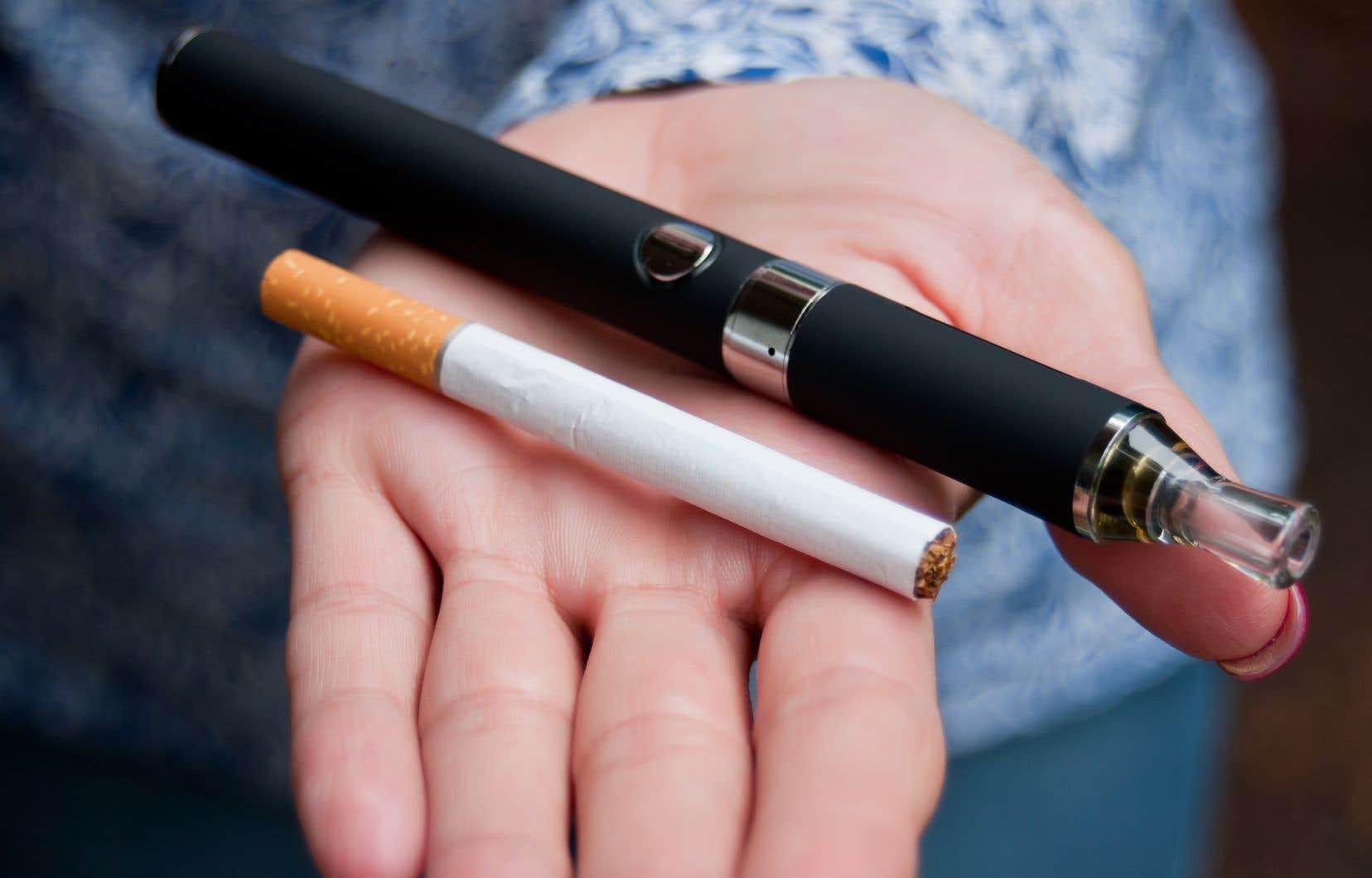 En 2017, la valeur du marché mondial du vapotage était évaluée à 18milliards de dollars américains contre 785milliards pour le marché du tabac.