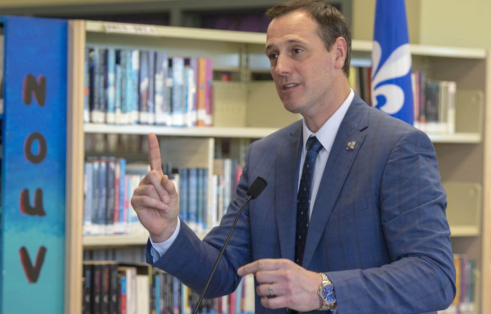 Selon le ministre de l'Éducation Jean-François Roberge, plus de 40 000 enfants figurent sur des listes d'attente pour une place en CPE.