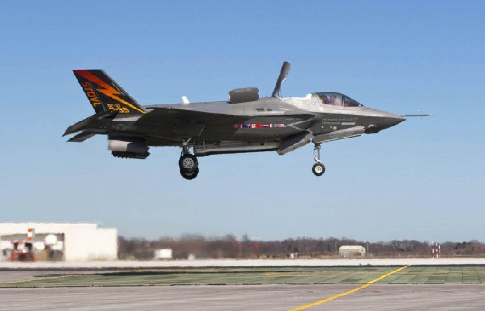 Alan Williams estime, contrairement au gouvernement Harper, que le F-35 n'est pas «le meilleur avion au meilleur prix».
