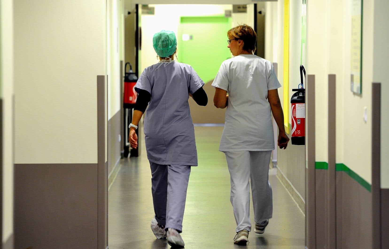 Lancés en 2018, les projets ratios visent à mesurer l'incidence de l'ajout d'infirmières sur la qualité des soins et la motivation du personnel dans différents milieux.