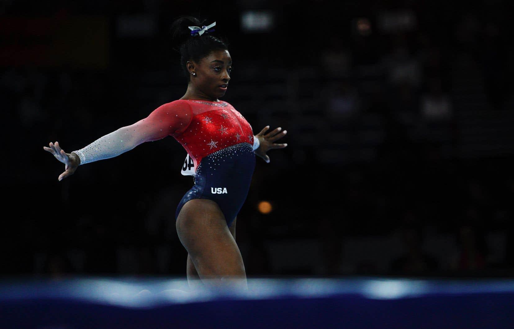 Ce titre américain porte à quinze le nombre de couronnes mondiales record de Simone Biles (22ans), et à 21 son total de médailles mondiales.