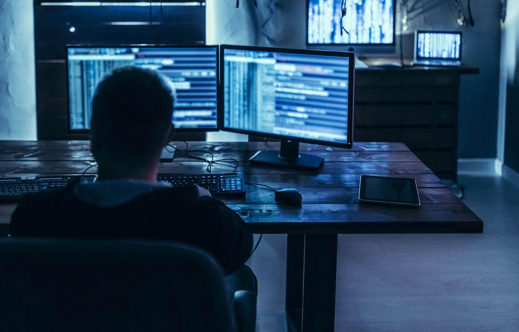 L'agence de surveillance du crédit a expliqué que l'accès aux données résultait de l'utilisation frauduleuse des identifiants de connexion en ligne d'un de ses clients d'affaires.