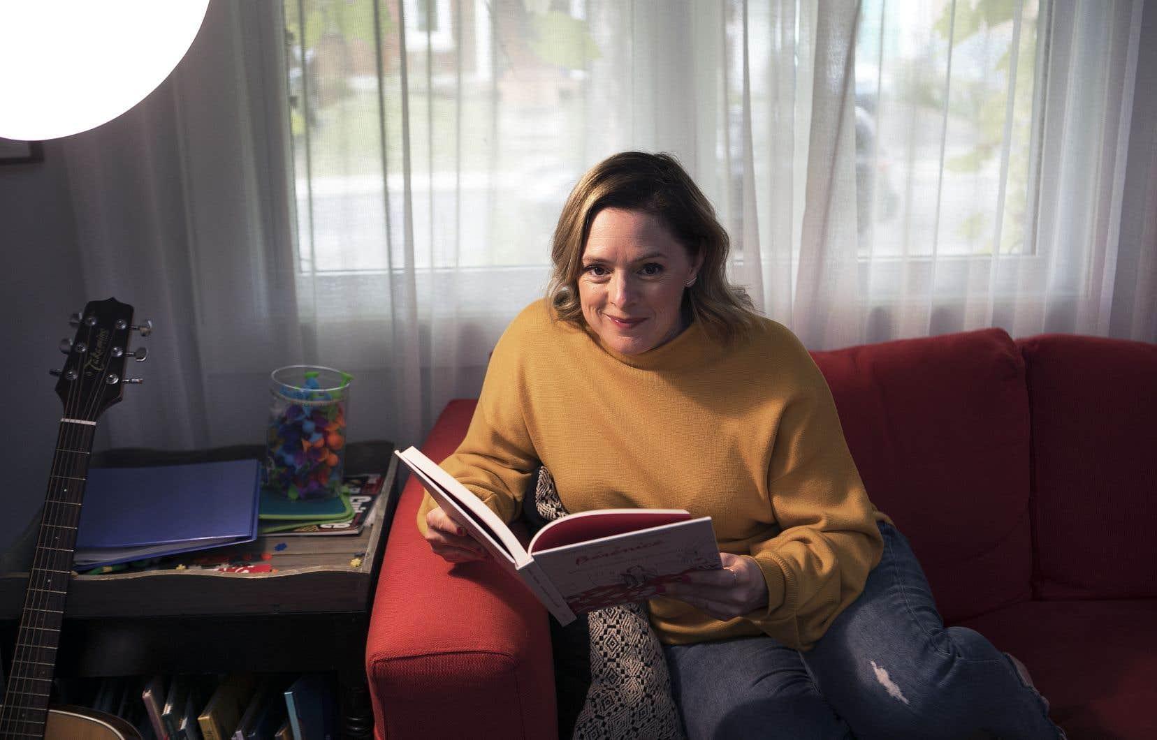 Avec son premier livre,  la comédienne et animatrice Catherine Trudeau jette avec fougue, spontanéité  et sagacité  un regard sensible  sur la lecture  et sur la littérature.
