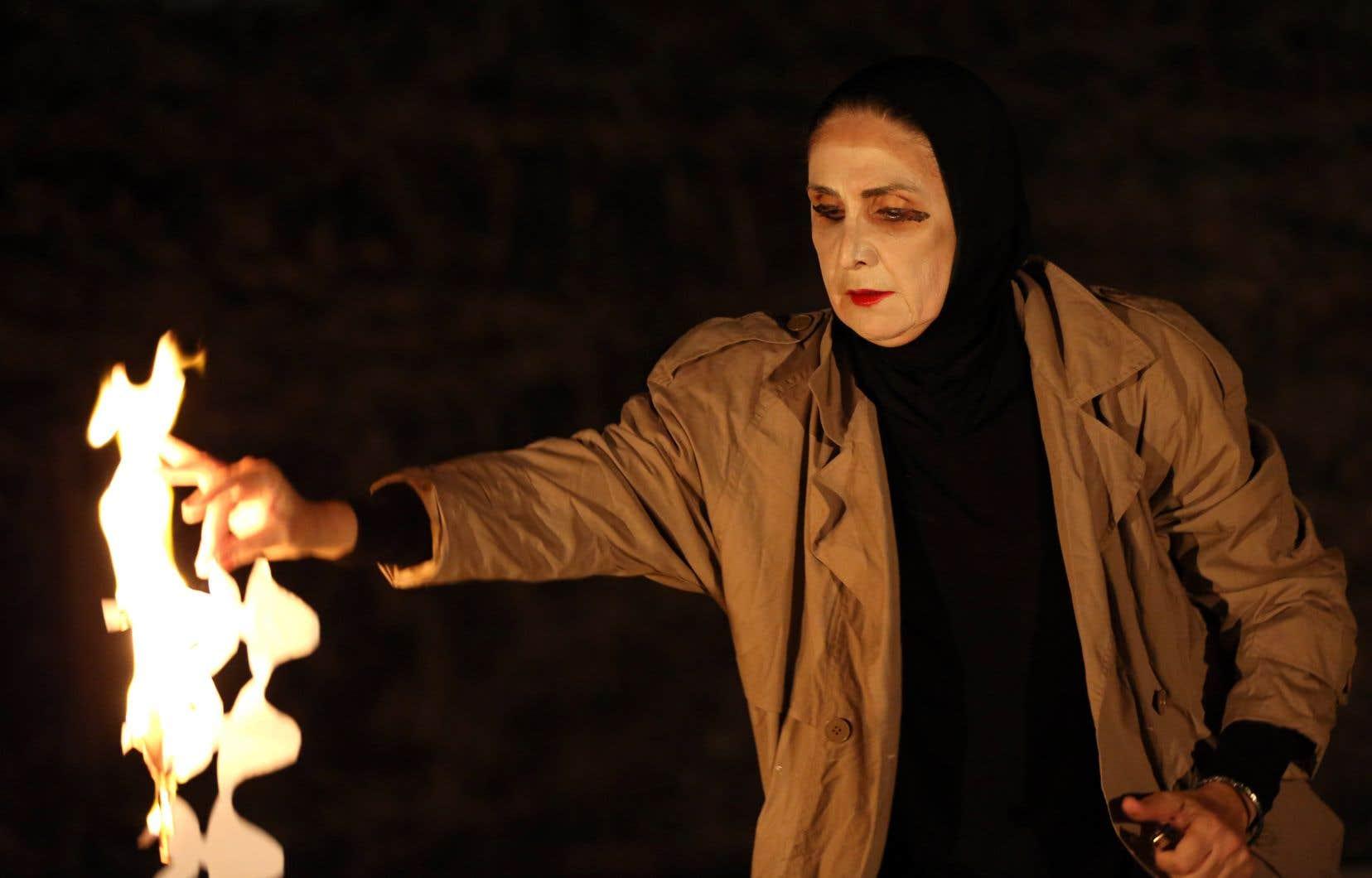 Hanane Hajj Ali est une référence incontournable dans le monde du théâtre libanais. Dans<i> sa pièce «</i>Jogging»<i>,</i> elle raconte les histoires passées sous silence, les histoires que personne ne va raconter.