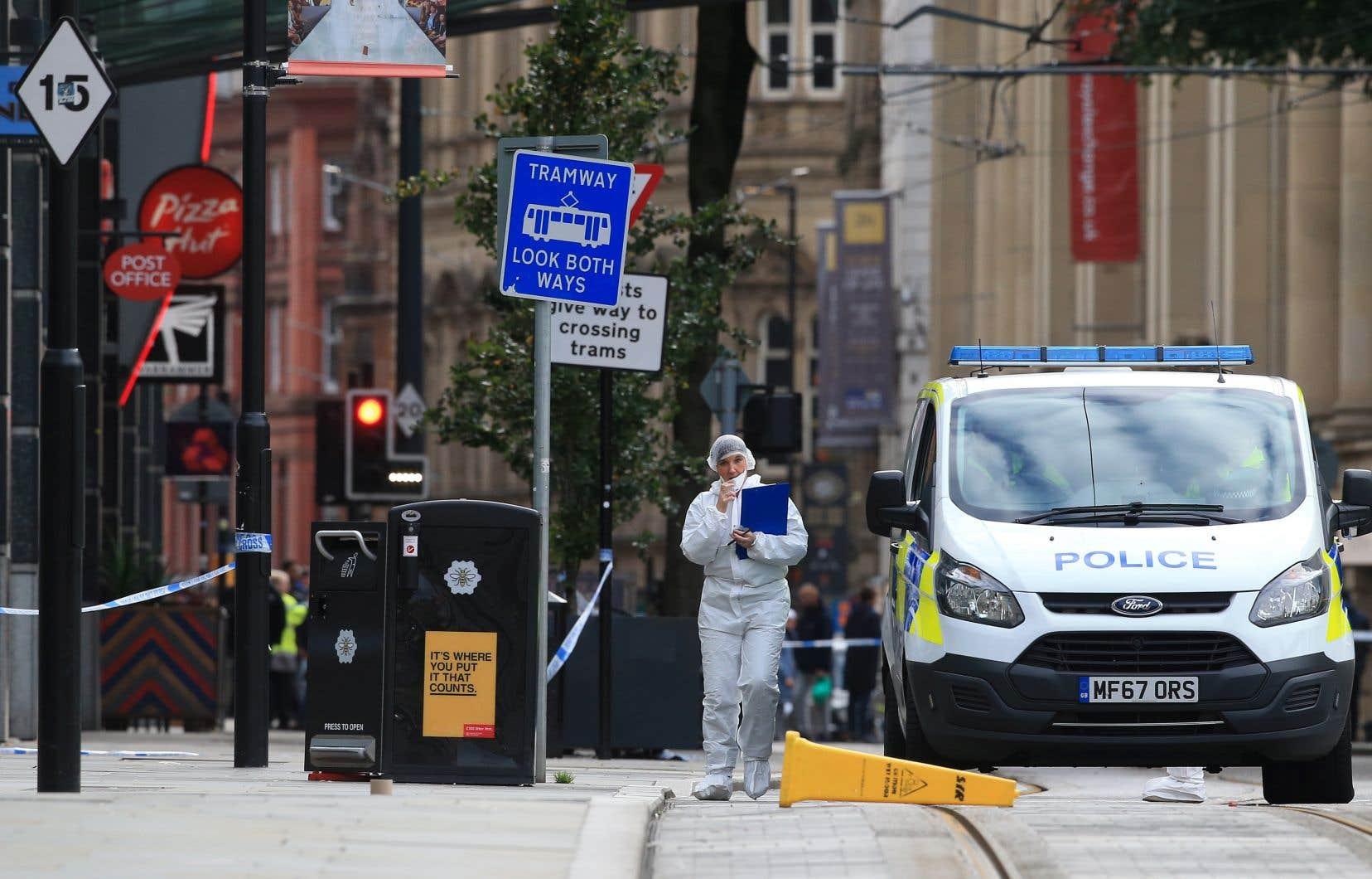 L'attaque a eu lieu vers 11h15 locales (6h15 à Montréal) et a entraîné le déploiement d'un important dispositif de sécurité à Manchester.