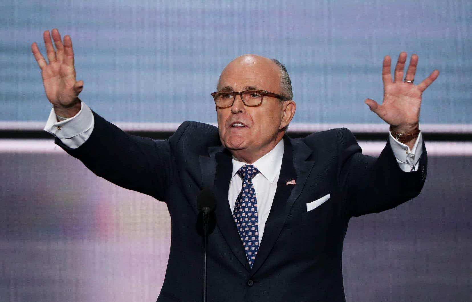 À 75ans, Rudy Giuliani, avocat personnel de Donald Trumo, se retrouve en pleine tourmente à cause de ses efforts pour convaincre l'Ukraine de chercher des informations compromettantes sur le démocrate Joe Biden.