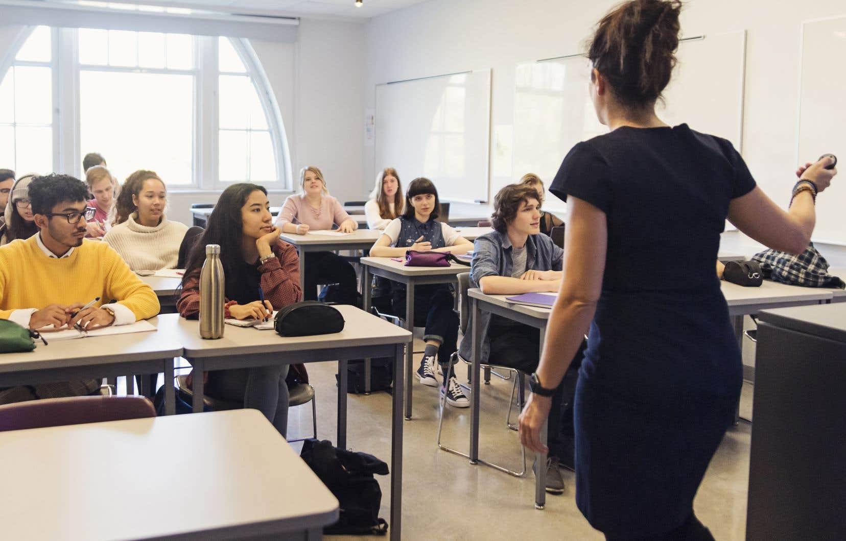 La profession d'enseignant demeure populaire auprès de la jeune génération de travailleurs.