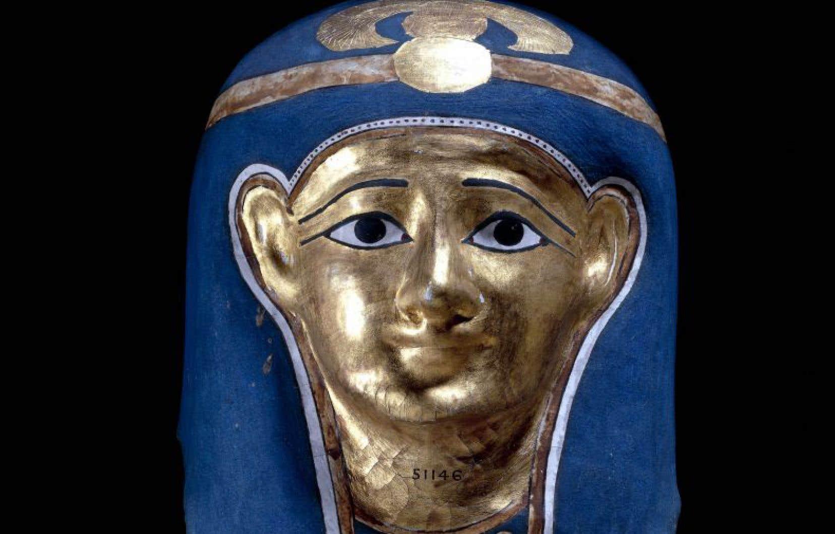 Masque en cartonnage qui date de la fin de l'époque ptolémaïque-début de l'époque romaine.