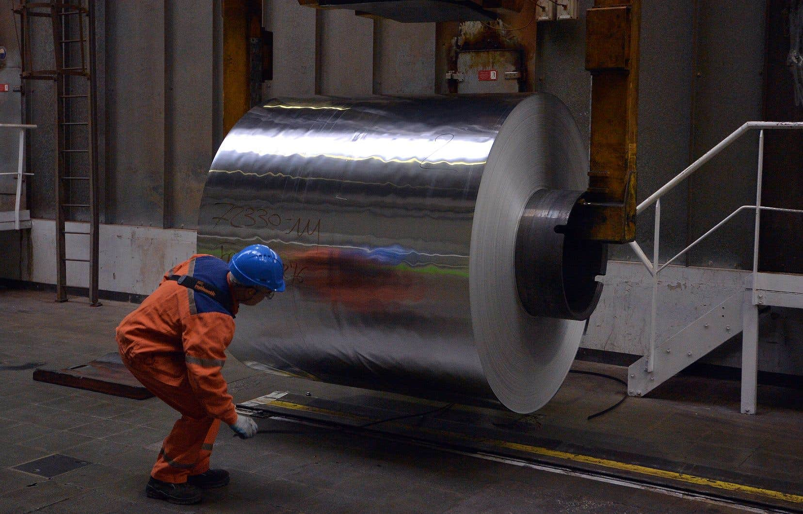 Le prix de la tonne d'aluminium se négocie aux alentours de 1700$ US, soit à un niveau plus bas qu'au milieu de la dernière crise financière.