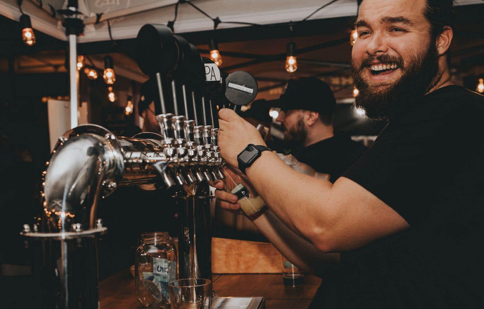 Organisé par l'équipe derrière le festival brassicole La Cuvée d'hiver, l'événement proposera 25 produits locaux, gins et bières affinées en fûts.