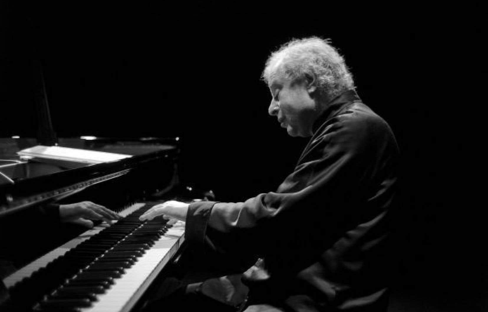 À Montréal, András Schiff a programmé le «Concerto en ré de Haydn», le «2eConcerto» de Beethoven, les «Variations sur un thème de Haydn de Brahms» et la «Suite de danses» de Bartók.