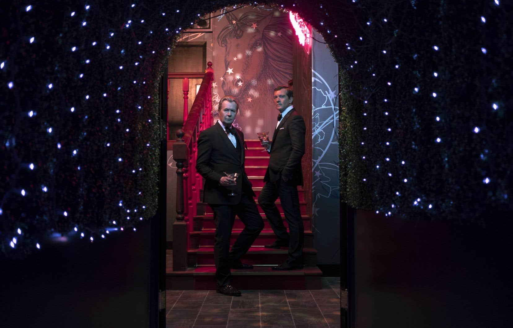 Jürgen Mossack et Ramon Fonseca, personnifiés à l'écran par Gary Oldman et Antonio Banderas, sont dépeints comme deux bouffons sans scrupule ni remords.