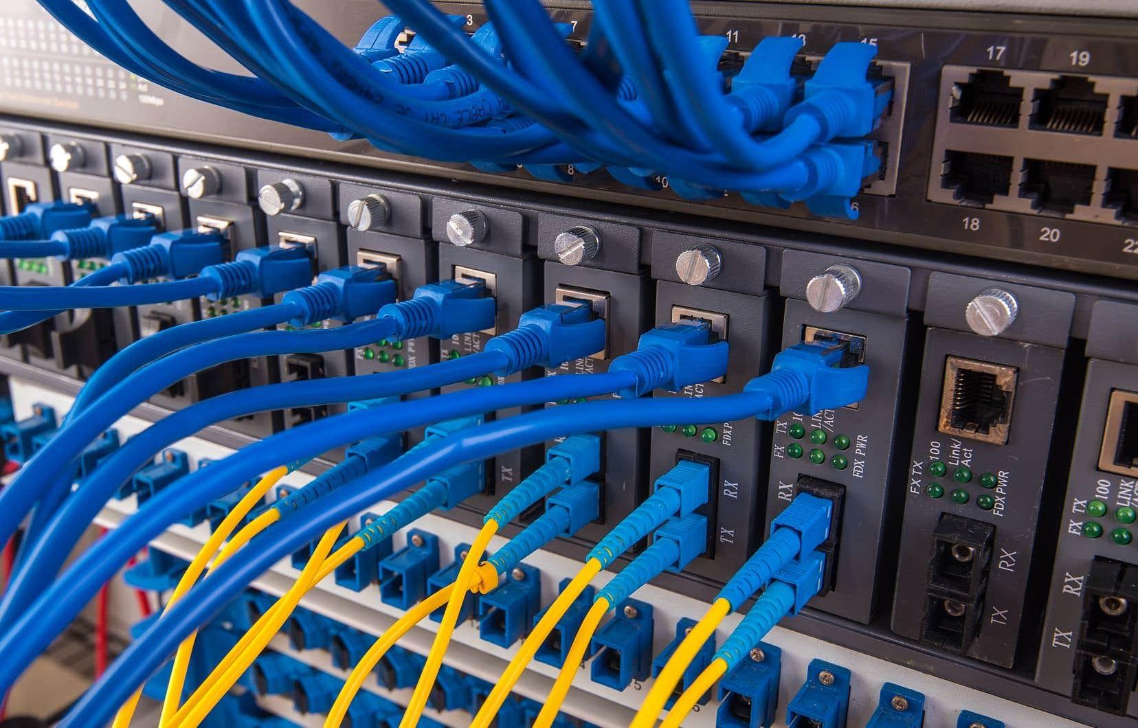 En campagne électorale, la CAQ s'était engagée à investir 400millions de dollars pour brancher tout le territoire à Internet haute vitesse.