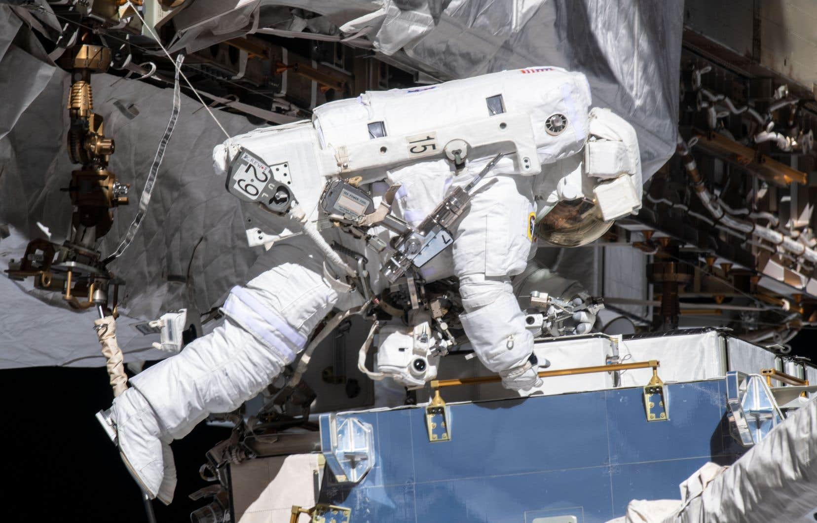 <p>L'astronaute américaine Christina Koch, a fait partie dela première sortie extravéhiculaire exclusivement féminine ce vendredi.</p>