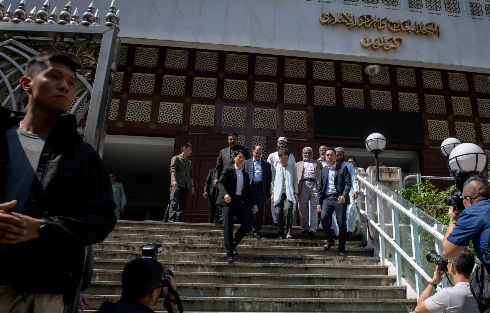 La cheffe de l'exécutif hongkongais, Carrie Lam, a effectué lundi une brève visite dans cette mosquée, le tout en présence d'un important dispositif de sécurité.