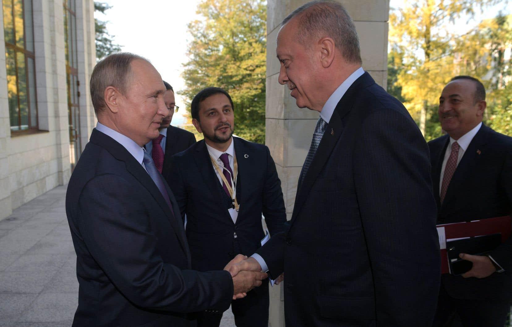 Après six heures de négociations à Sotchi, Recep Tayyip Erdogan et Vladimir Poutine en sont venus à un accord.