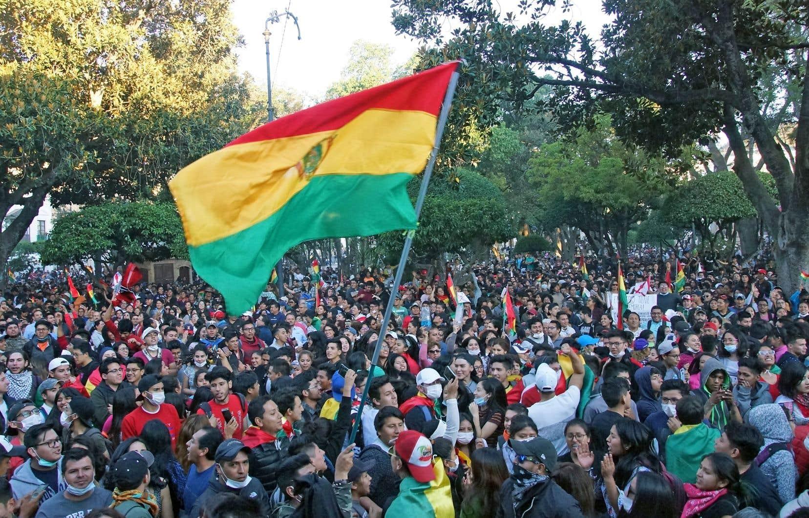 La victoire imminente d'Evo Morales, au terme d'un processus électoral critiqué, a provoqué de grandes manifestations à travers la Bolivie, mardi.