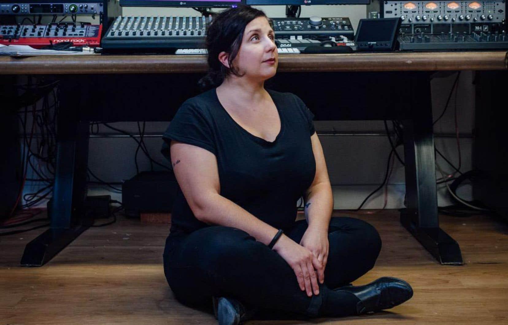C'est Prune Lieutier qui mène l'exercice, elle qui s'intéresse depuis longtemps au balado, mais aussi à la production jeunesse en général, notamment numérique.