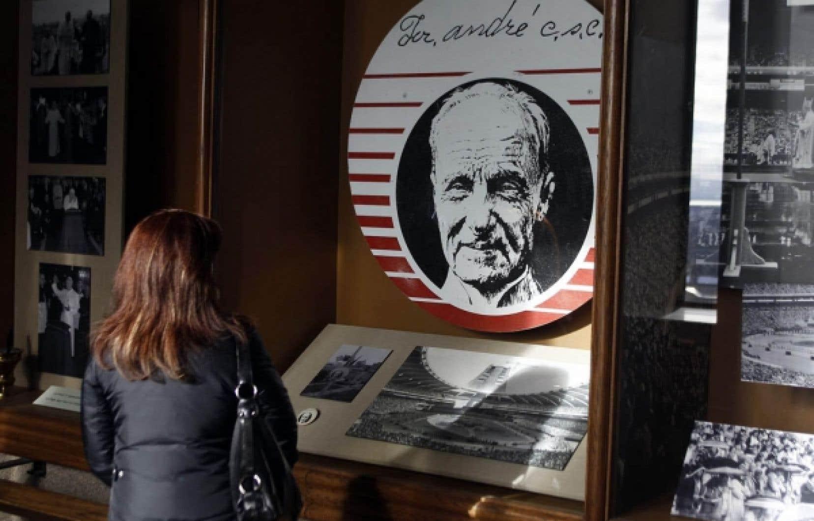 Le petit musée dédié au frère André, à l'oratoire Saint-Joseph, attire les visiteurs. <br />
