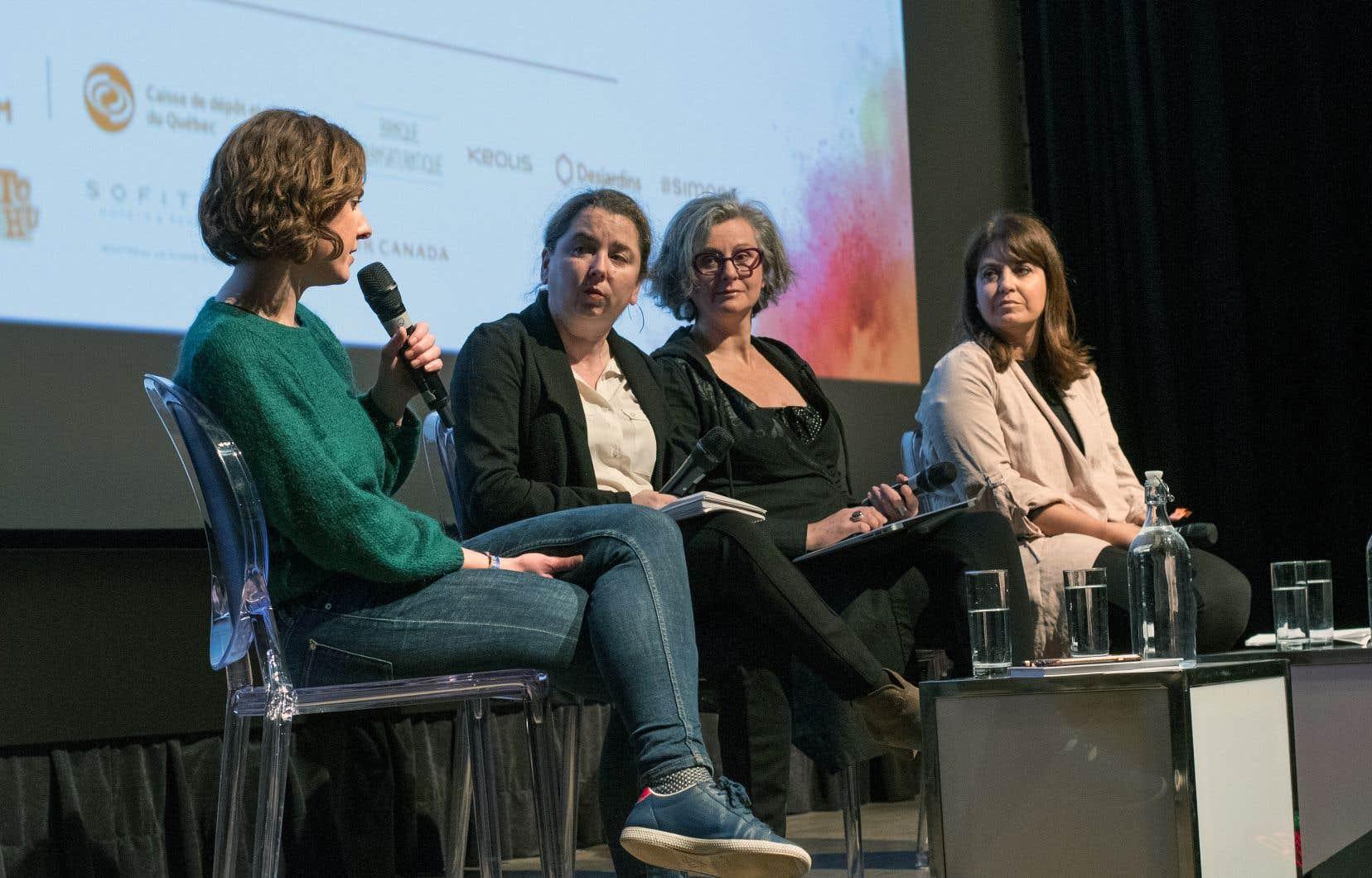 Animée par Isabelle Porter, journaliste au «Devoir», la conférence sur le phénomène #MoiAussi a réuni sur scène la journaliste française Astrid de Villaines, la sociologue Sandrine Ricci et la député péquiste Véronique Hivon.