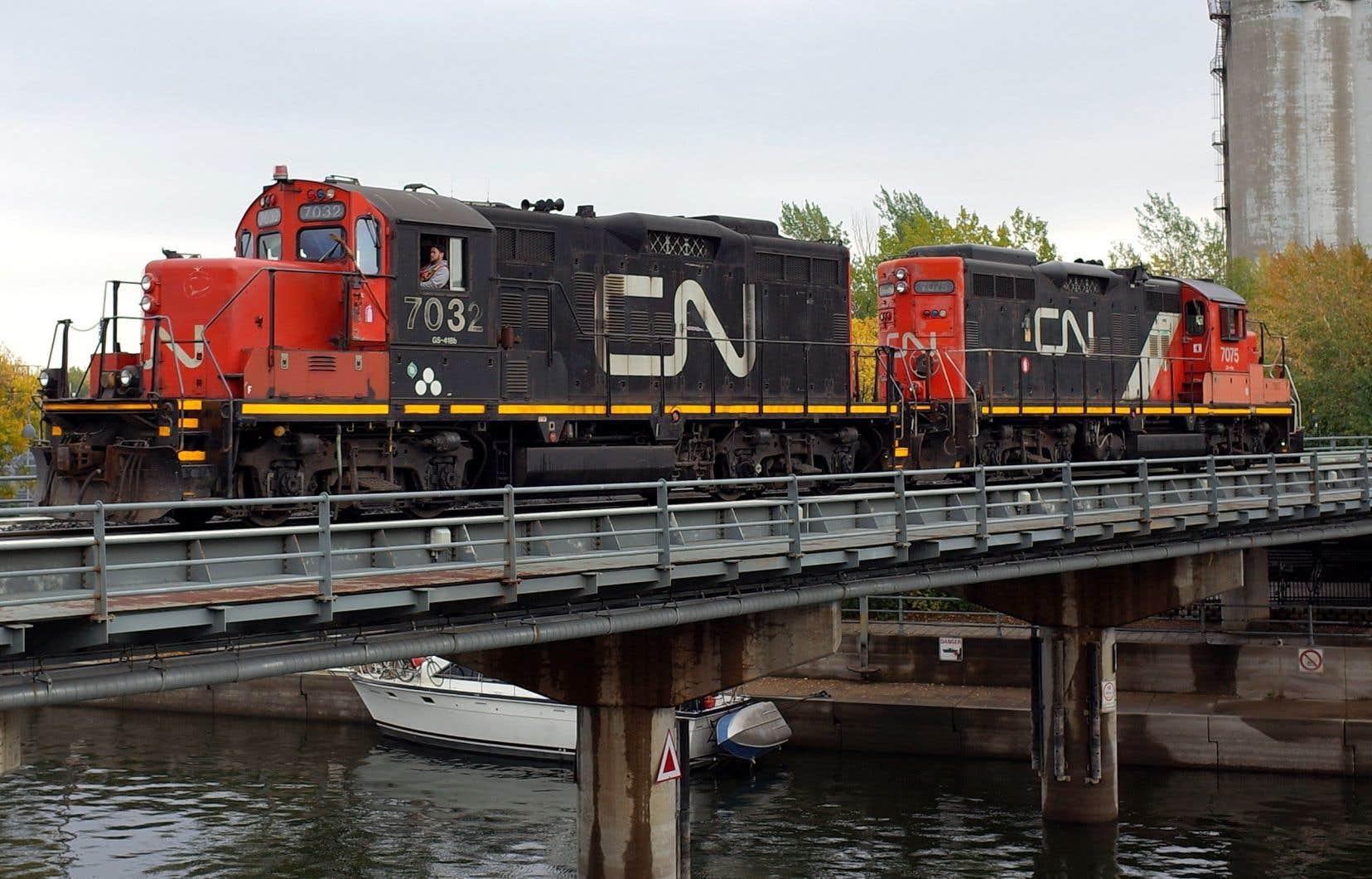 Le syndicat des Teamsters annonce que quelque 3000 employés du Canadien National pourraient déclencher une grève dès le 19novembre prochain.