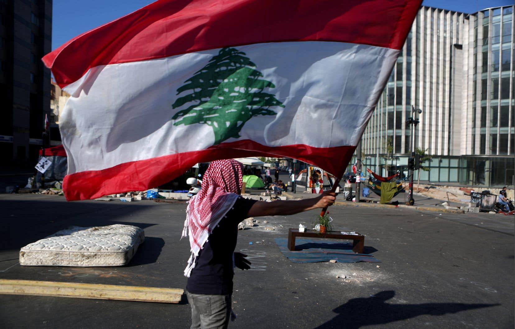 Après deux semaines d'une mobilisation sans précédent au Liban, la quasi-totalité des accès à la capitale ont été débloqués.