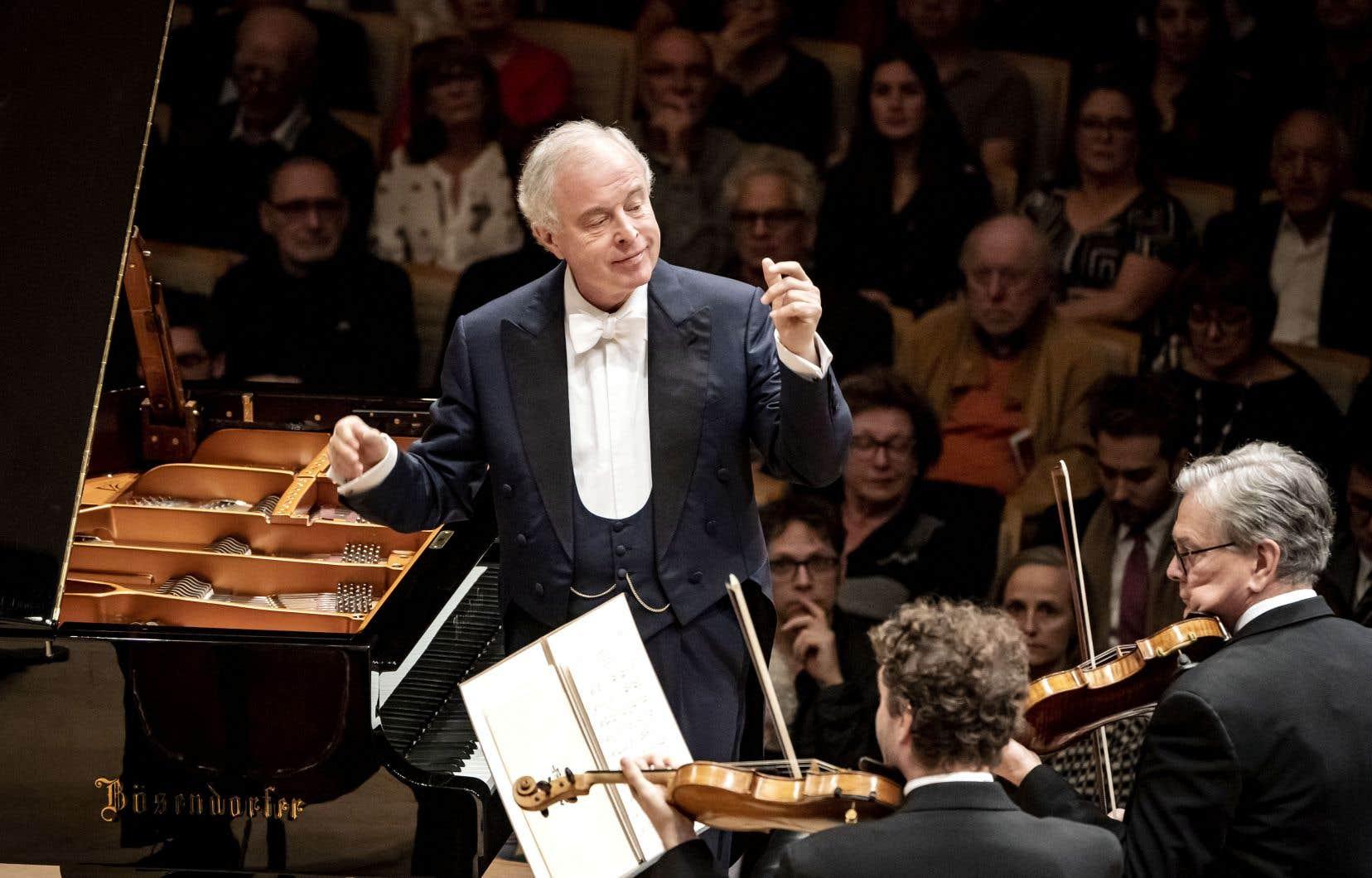 Mercredi et jeudi dernier, András Schiff n'a pas dirigé la seconde partie du concert de l'OSM, qui présentait la Suite de danses de Bartók.