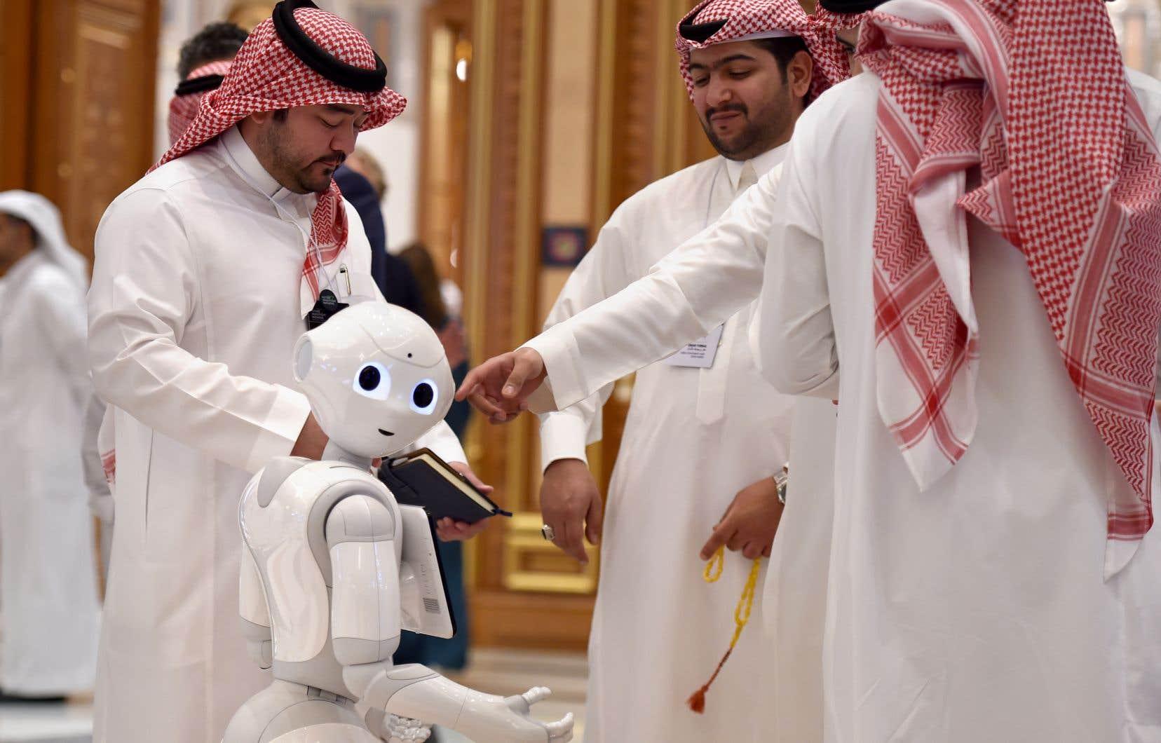Cette année, des milliers de délégués venant d'une trentaine de pays ont afflué à Riyad pour la troisième édition et l'ambiance contraste avec celle de l'année dernière.