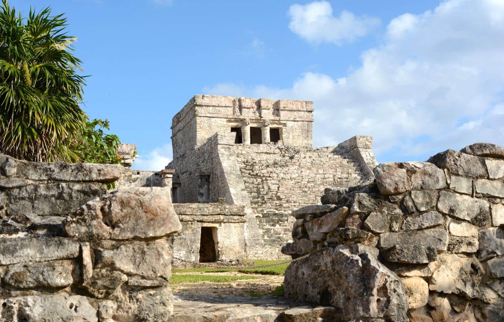 El Castillo, qui s'érige sur quatre étages à la cité maya de Tulum.