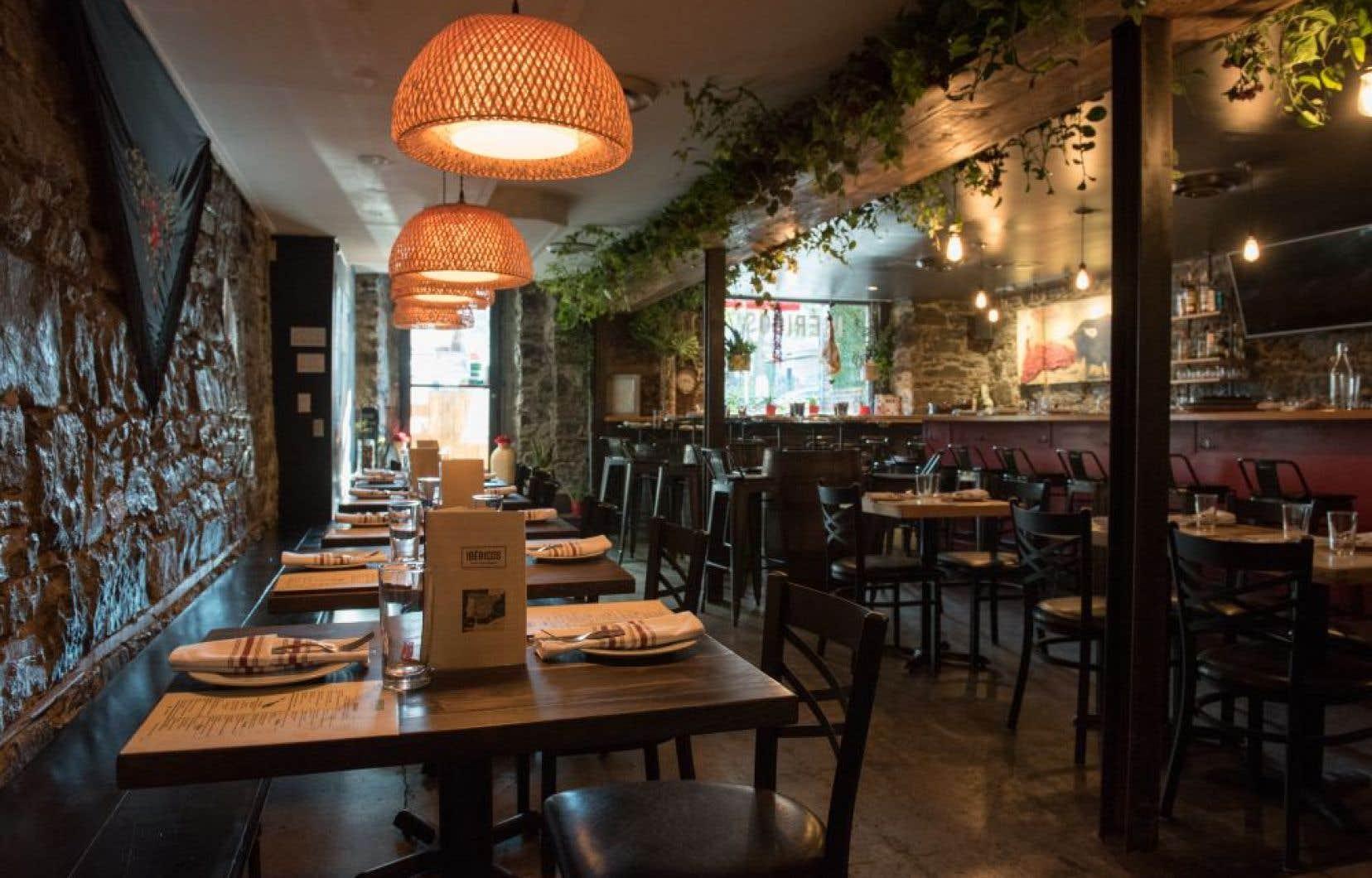 Chez Ibéricos, on veut vous faire passer un moment agréable et vous voir quitter les lieux en dodelinant de satisfaction.