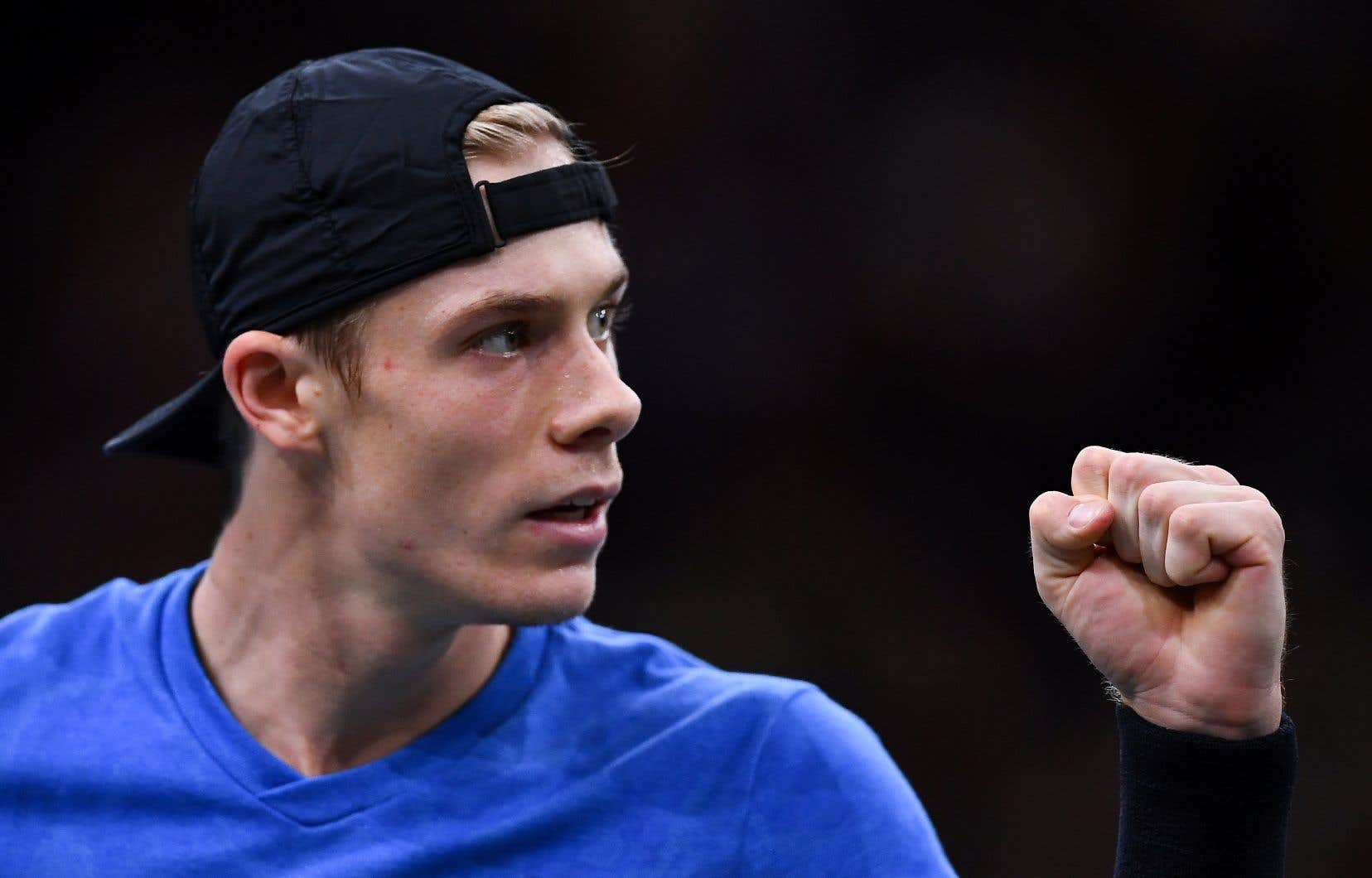 Denis Shapovalov, finaliste malheureux du Masters de Paris, s'est hissé au 15e rang du classement mondial de l'ATP.