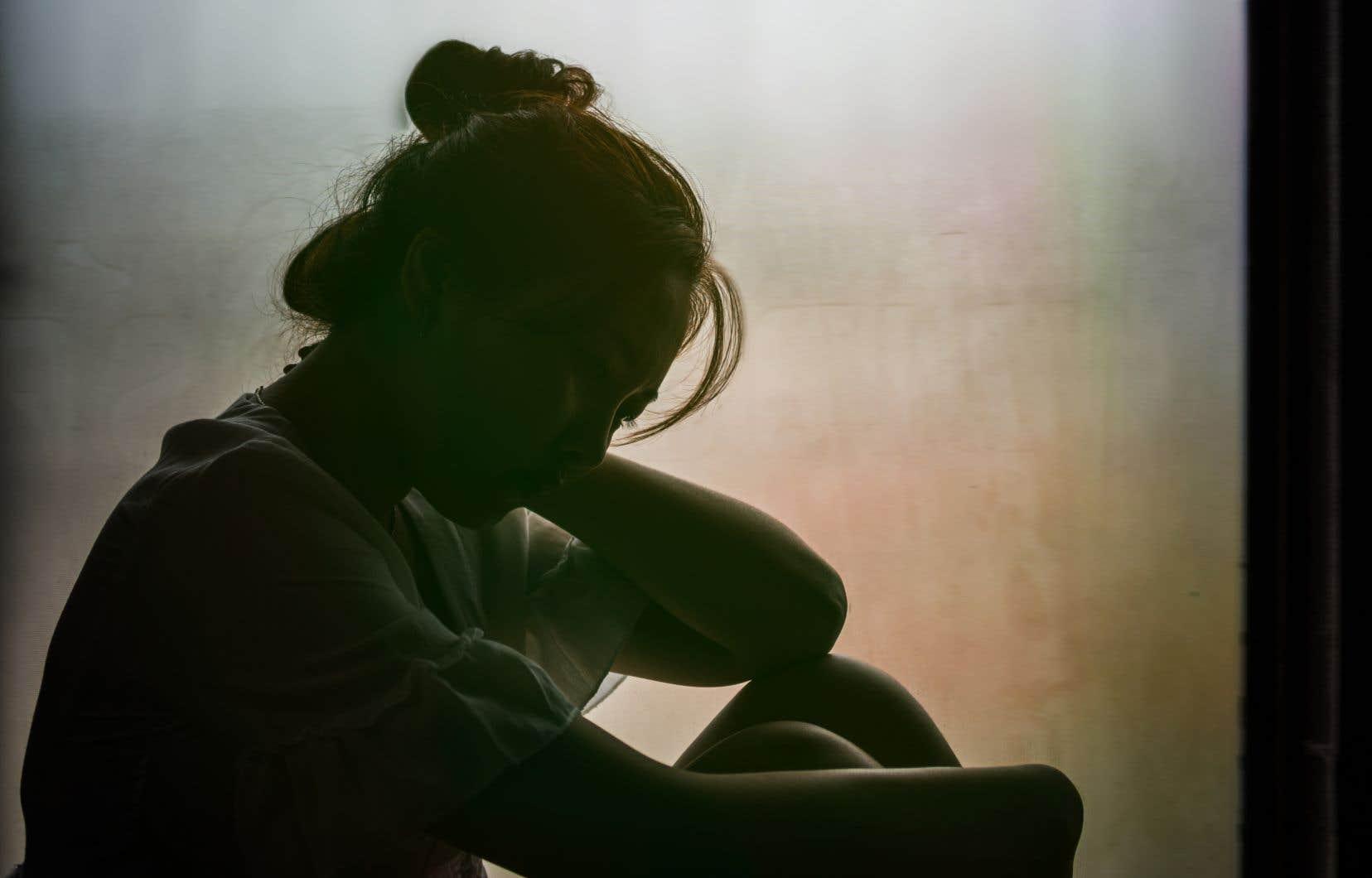 Le phénomène de la prostitution juvénile s'est répandu et est devenu banal avec l'Internet et les nouvelles technologies.