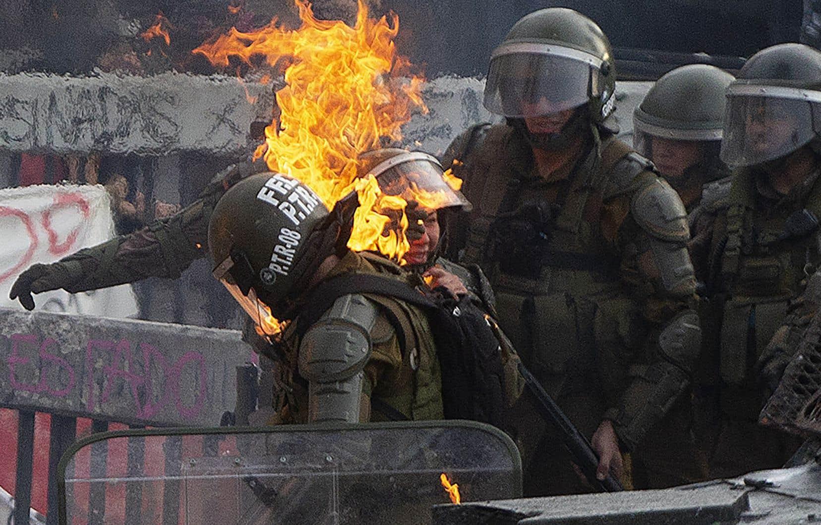 Lundi, les rassemblements ont donné lieu à de violentes altercations entre manifestants et forces de l'ordre.
