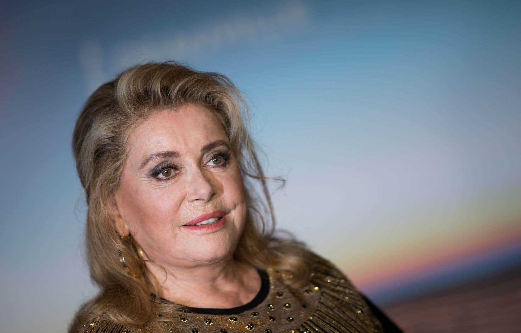 L'actrice maintenant âgée de 76 ans est hospitalisée à Paris.