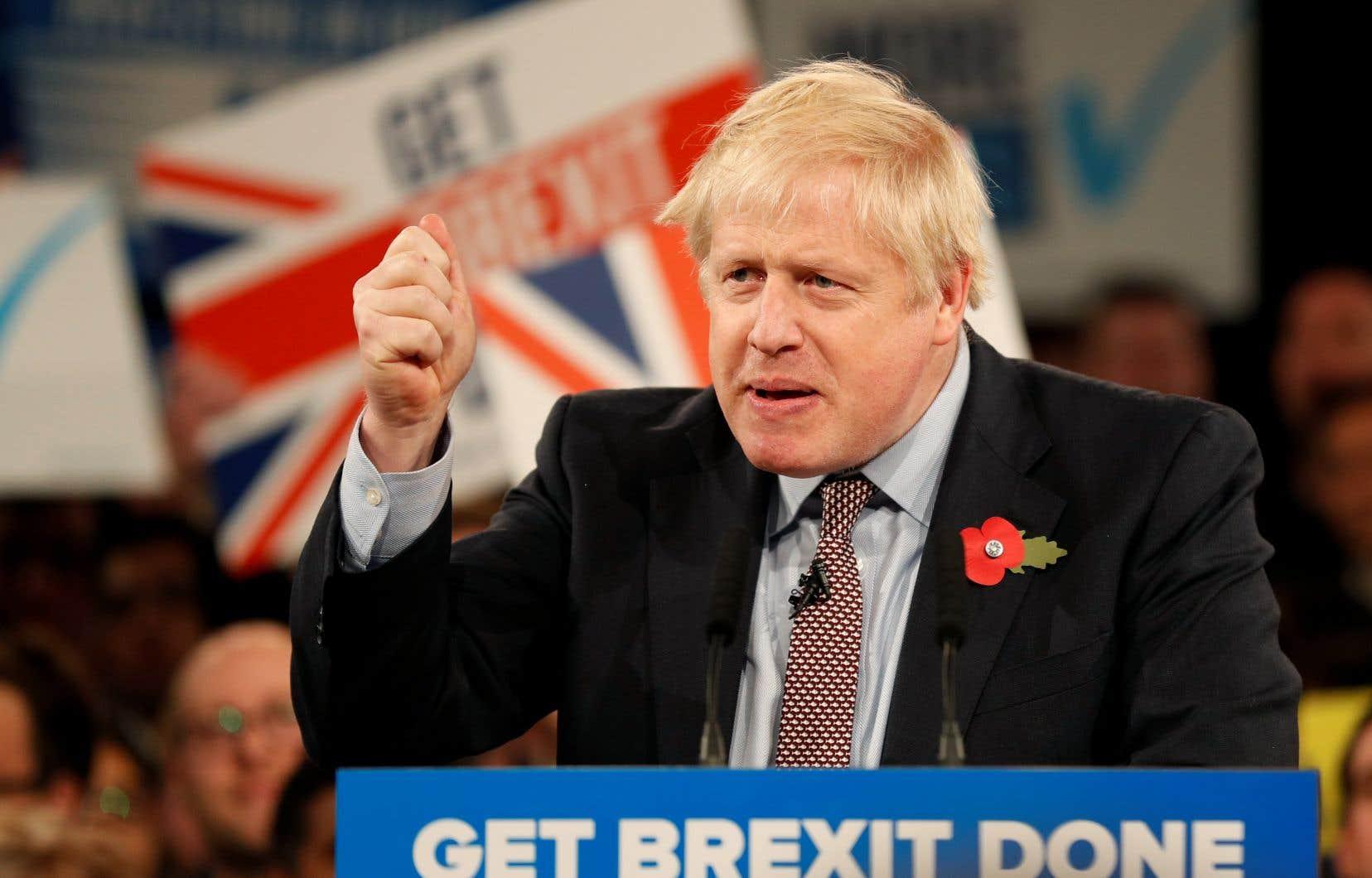 Dans un éditorial, Boris Johnson a comparé son rival Jeremy Corbyn au dictateur soviétique Joseph Staline.