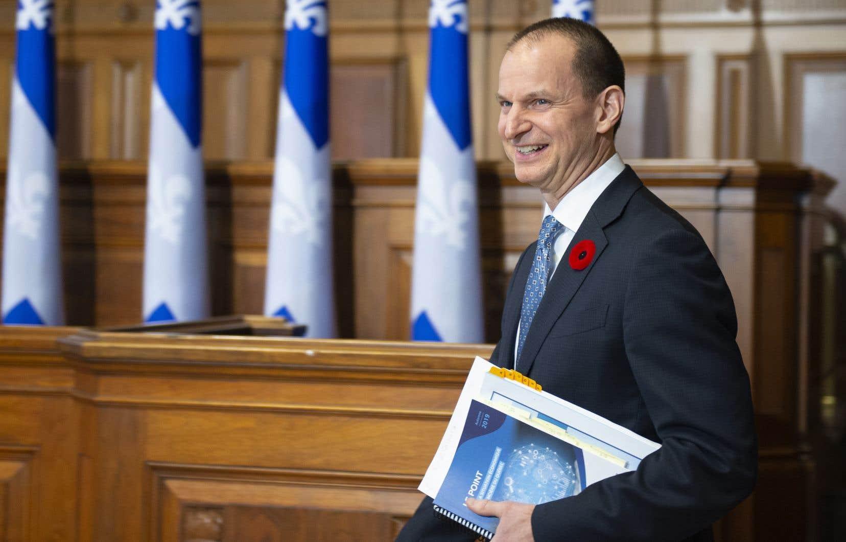 Le ministre des Finances, Eric Girard, mise sur la «bonne» situation économique et financière du Québec pour accélérer la croissance des dépenses.