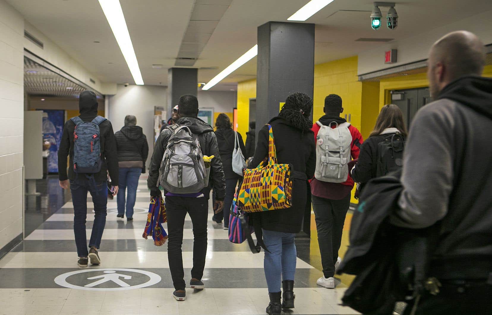 Selon l'OCDE, le total de personnes étudiant à l'étranger a plus que doublé en20 ans.